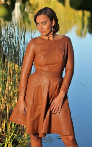 Tellerkleid in ECHT-Leder in cognac USED LOOK