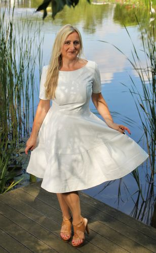 A-Style Dress in GENUINE Leather in white -Boston-