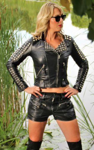 Leather short in GENUINE LEATHER as cool sexy hot pants
