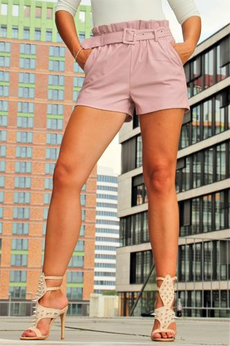 Leather shorts with belt made of faux leather in elegant pink