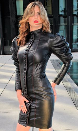 Leather dress with puff sleeves in a tight style